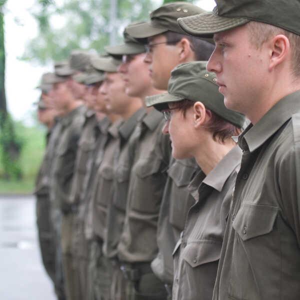 03_berufe-im-dienst-der-sicherheit_leutnant_05