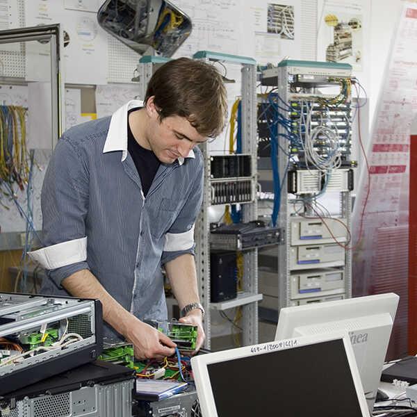 informatik_edv_informationstechnologie_elektronik_10