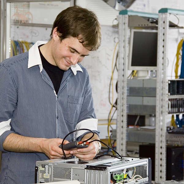 informatik_edv_informationstechnologie_elektronik_12