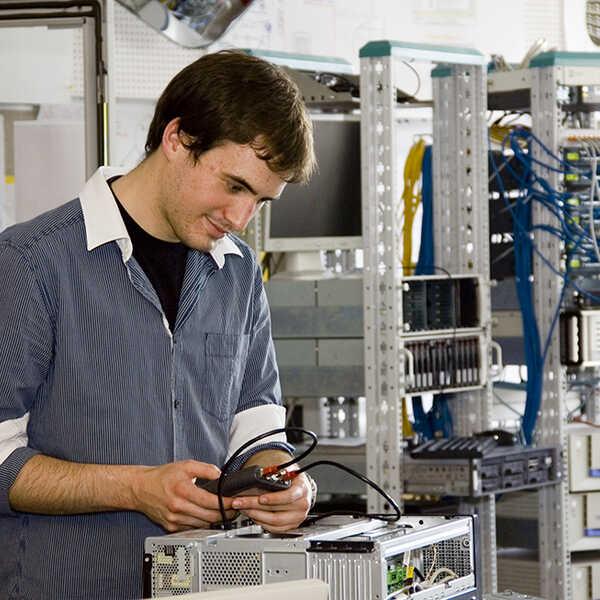 informatik_edv_informationstechnologie_elektronik_14