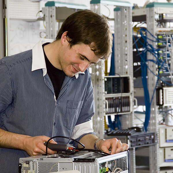 informatik_edv_informationstechnologie_elektronik_15