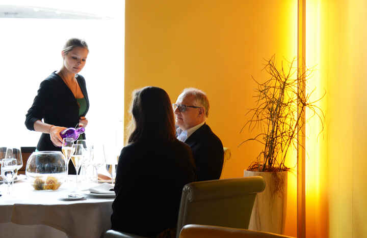 Restaurantfachmann/-frau_03