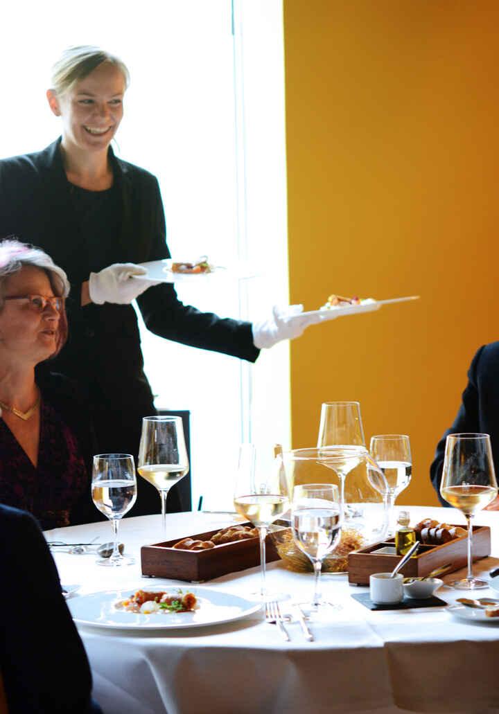 Restaurantfachmann/-frau_04