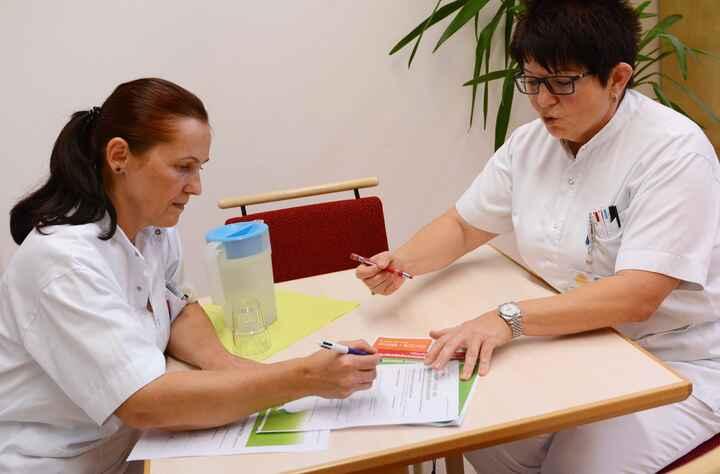 DiplomierteR Gesundheits- und KrankenpflegerIn Geriatrie_09