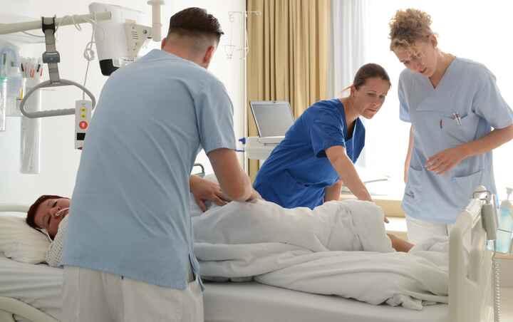 DiplomierteR Gesundheits- und KrankenpflegerIn im Spital_07