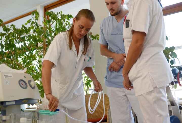 DiplomierteR Gesundheits- und KrankenpflegerIn im Spital_11