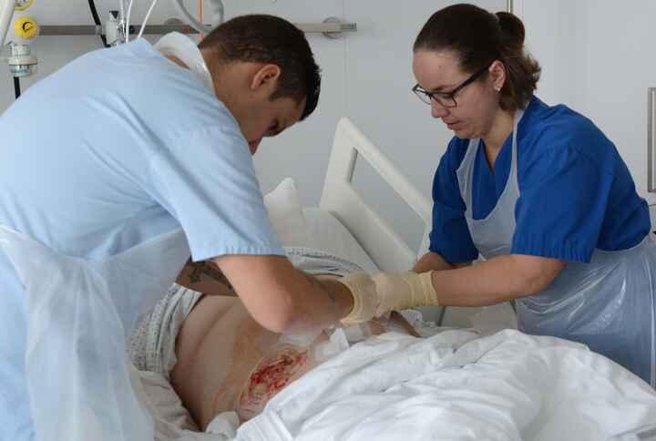 DiplomierteR Gesundheits- und KrankenpflegerIn im Spital_13